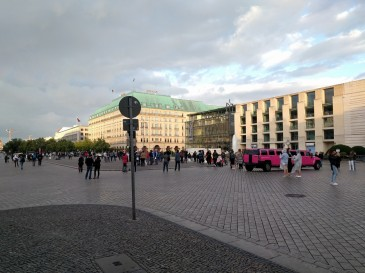 Square adjoining the Brandenburg Gate